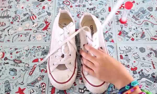Limpieza de cordones de zapatillas