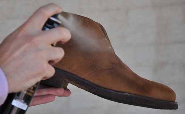 Protector de zapatos de gamuza en aerosol
