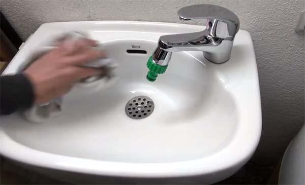 suciedad en lavabo