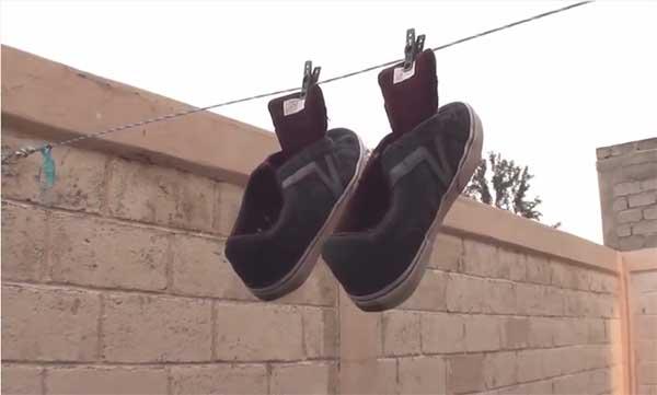 como quitarle el mal olor a los zapatos cuando se mojan